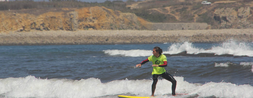 Surf lessons in Peniche