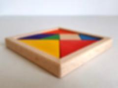 Tangram en bois. Jouet artisanal fait en france. +jouets pour apprendre à compter, circuit à billes, boites à formes... fabrication artisanale, fabriqué en france.