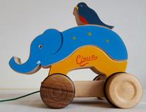 Jouet éléphant à tirer