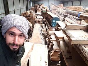 Diego Mastrogiovanni Artisan du bois en Anjou (Maine et Loire) Fabricant de meubles, jouets et objets déco en bois. Mobilier surmesure et jouets personnalisés. Restaurateur de meubles anciens.