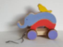 Eléphant et oiseau, jouet à tirer et a empiler. Jouet en bois artisanal fait en France, pour les enfants à partir de 1 an.