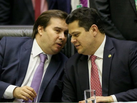 Contra reeleição de Maia e Alcolumbre, 10 partidos entregam Carta à Nação e ao STF