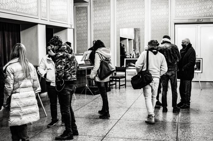 """Откриването на """"Зад Червената Завеса"""" в Драматичен Театър Ловеч"""
