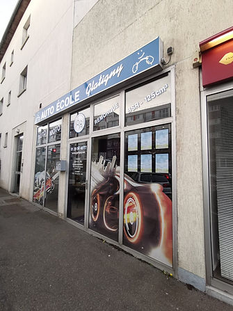 Devanture Glatigny auto-école à Le Chesnay