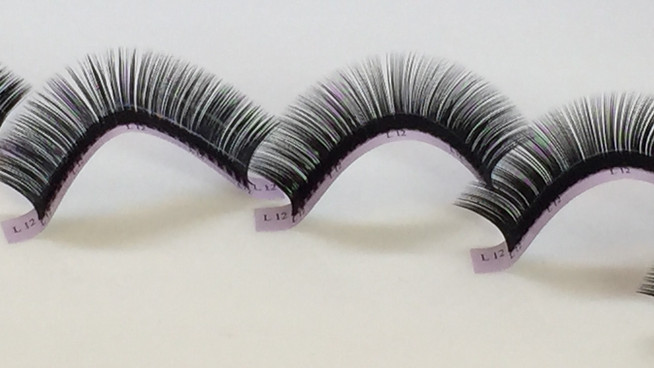 Silk vs. Mink Synthetic Lashes