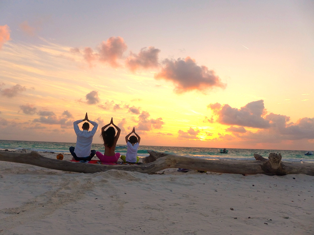 Meditate at sunrise with FOLHC
