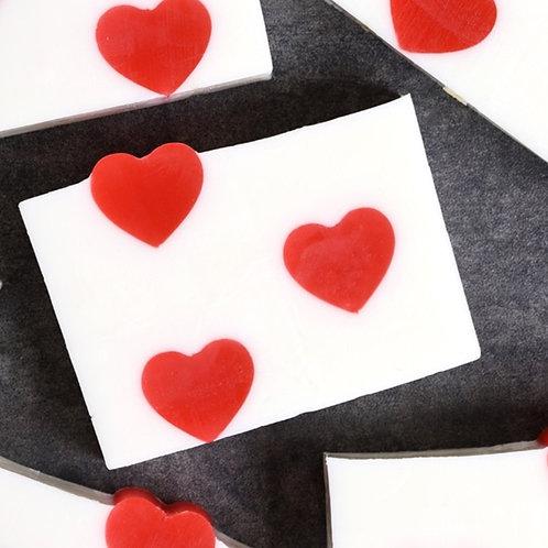 """Handgemaakte Zeep """"Love is in the air"""""""