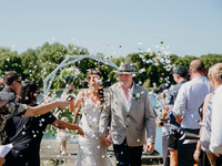How To Do A Confetti Toss