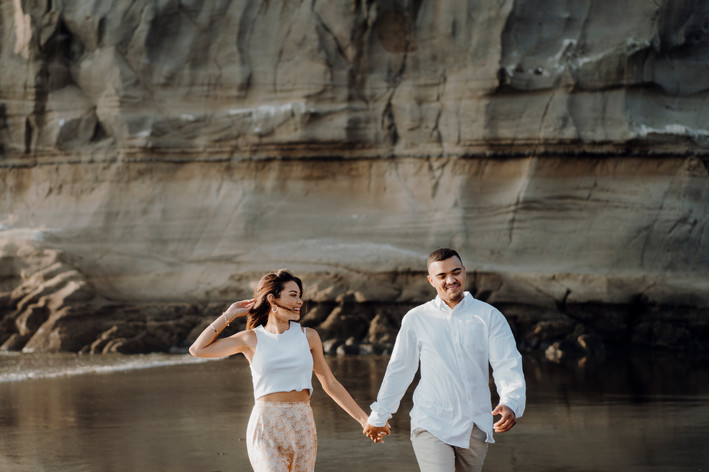 Hamilton Wedding & Engagement Photographer   Muriwai Beach   Auckland Photographer