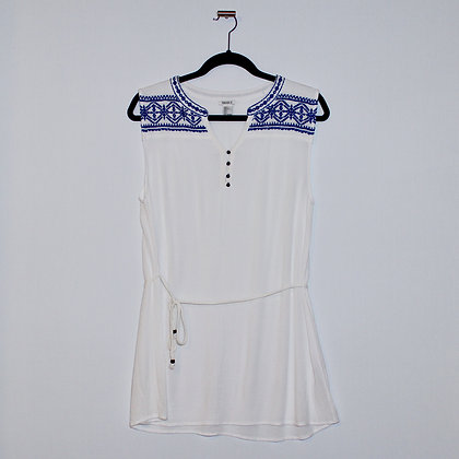 Embroidered Blue & White Top Size Large