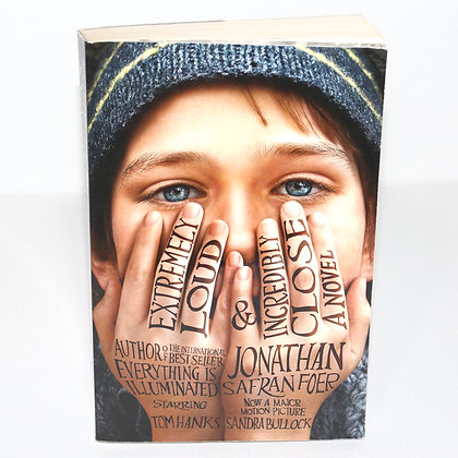 Extremely Loud and Incredibly Close Book Jonathan