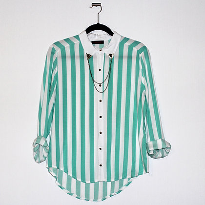 Mint Green Button Up Blouse w Chain Size Medium