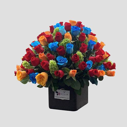 Caja de rosas de colores