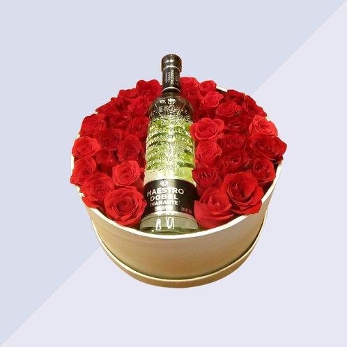 Arreglo de rosas y tequila