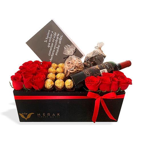 Caja de rosas, chocolates y vino