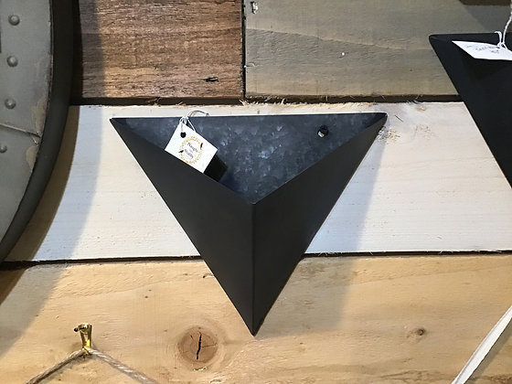 Metal Brynn Wall Hanger