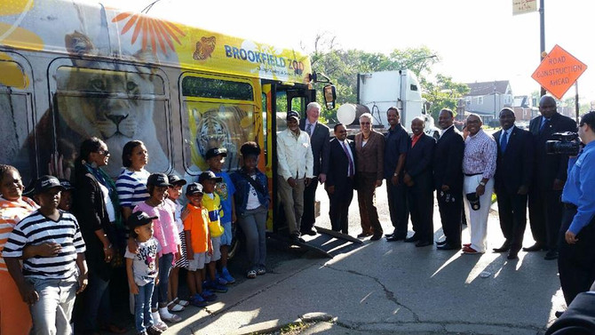 Commissioner Stanley Moore and Pace launch express bus service to Brookfield Zoo