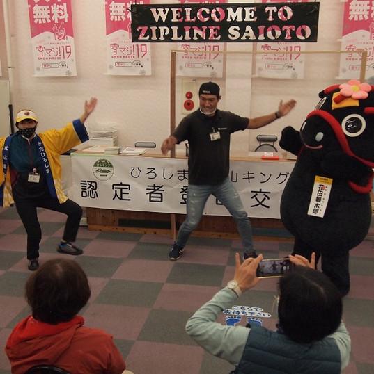 10010704交流会ダンス.JPG