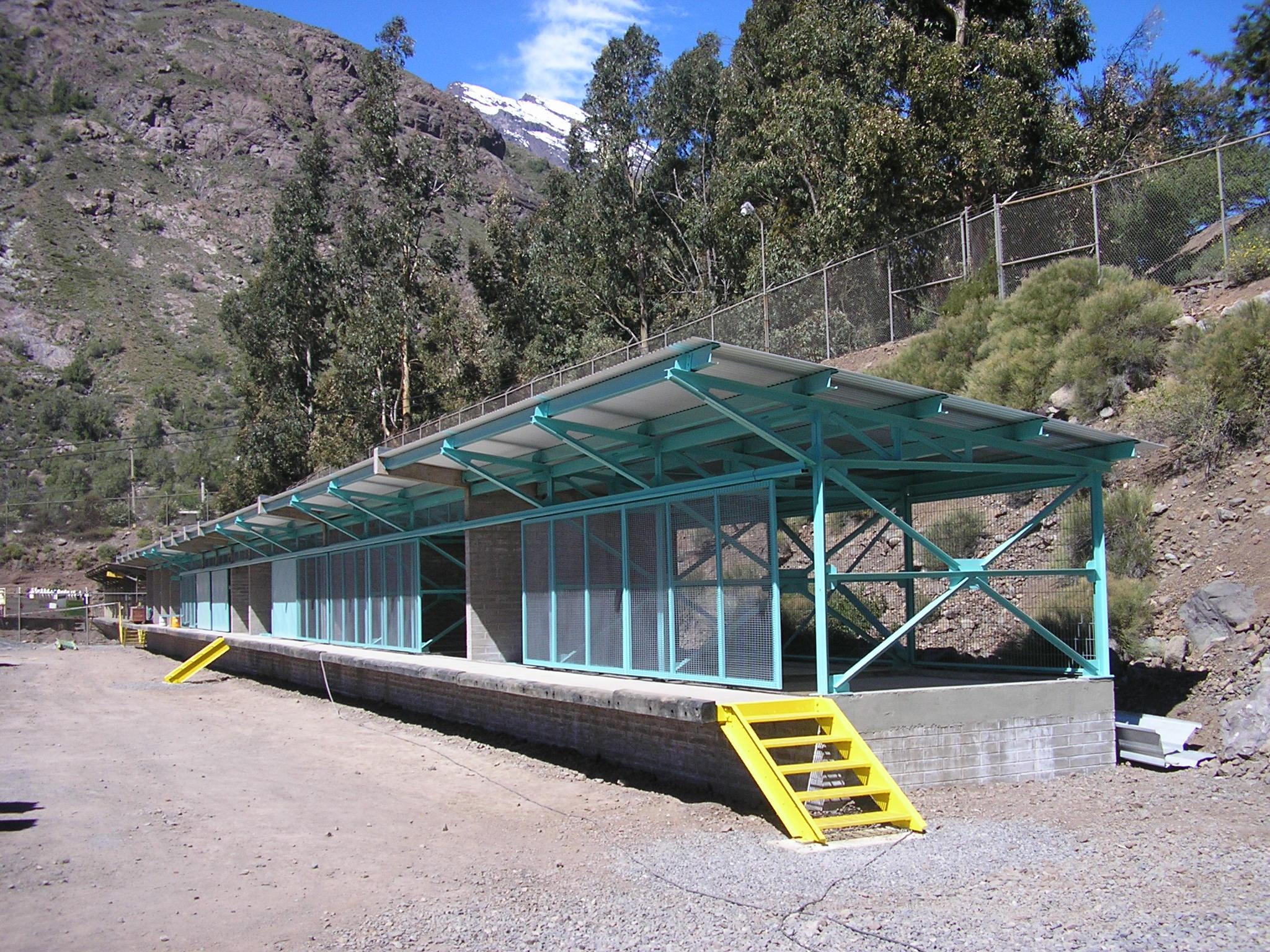 Bodega gases peligrosos Andina.JPG