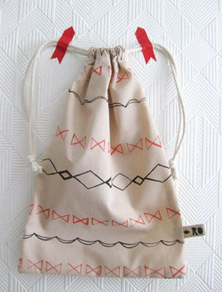 simple pattern sinch bag