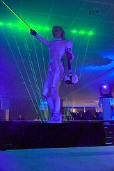 Angie violinist artiste lumineux led laser violin events violoniste évènementiel et soirées privées light artist fashion show angie sexy violinist paris france lumina theodari laserman