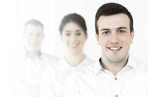 """""""Link Mobilité se veut une entreprise à taille humaine dans laquelle tous les salariés apportent leur contribution, soit par leur expérience personnelle passée, soit par leur expérience professionnelle, soit tout simplement par leur personnalité et leur goût du service. Nous sommes investis, flexibles et proactifs afin d'assurer une transition réussie à vos salariés."""""""