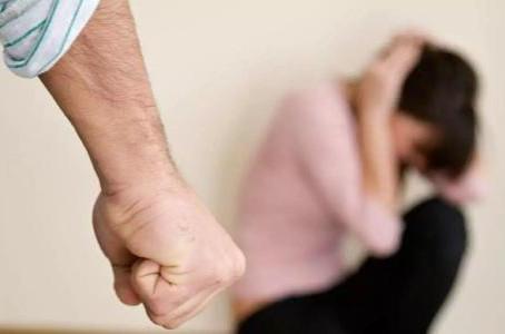 程律师播报 离婚的理由(3)家暴