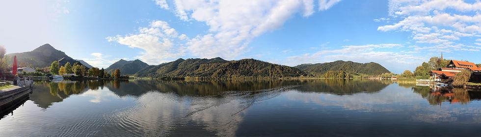 lake-1756869_1920.jpg