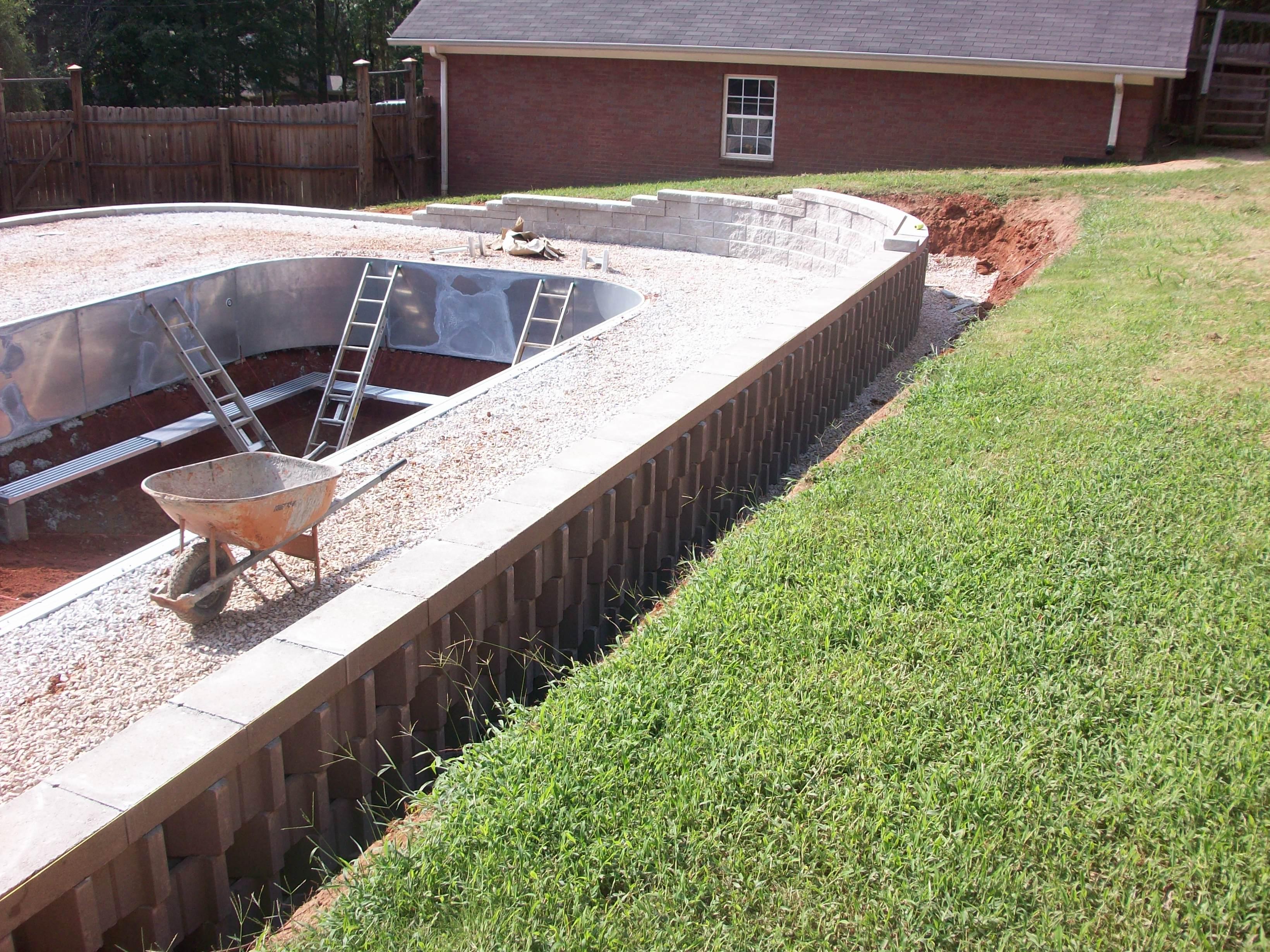 Retaining Wall Upper Before Backfill