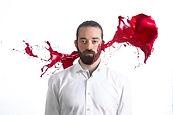 Au-delà de l'aspect social, le spectacle dégage une esthétique radicale et une force immersive conférée par le dessin noir et blanc d'Efix, les animations de Fred Demoor, la narration en live de Mathieu Frey et la musique improvisée du groupe Improjection. Un spectacle immersif, innovant, bouleversant.