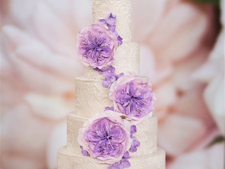 Wedding Trend Tuesday: Embossed Cakes