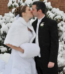 Tips for Planning a Holiday Wedding