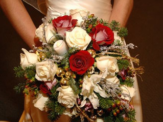 12 Days of Winter Wedding Ideas - Day 10: Greens and Reds