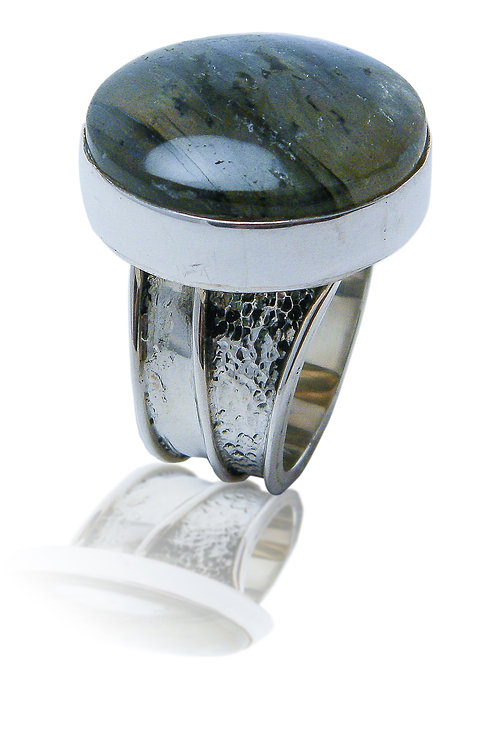 Sterling Silver Ring with Round Labradorite