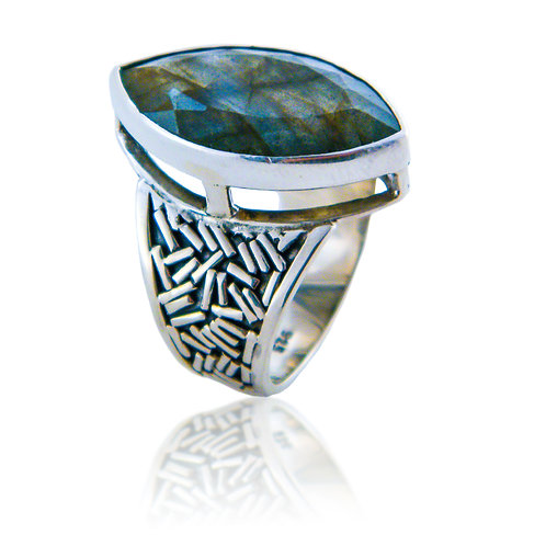 Sterling Silver Ring with Labradorite Stone