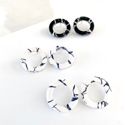 MIKAEL Studs WHITE MARBLE