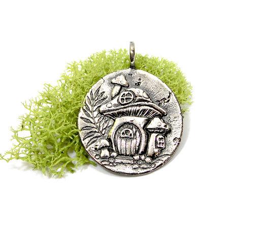 Magic Mushroom House - Snail - Necklace - Mushroom, Mother Nature