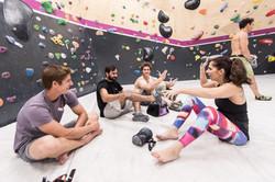 קבוצת מטפסים נהנים