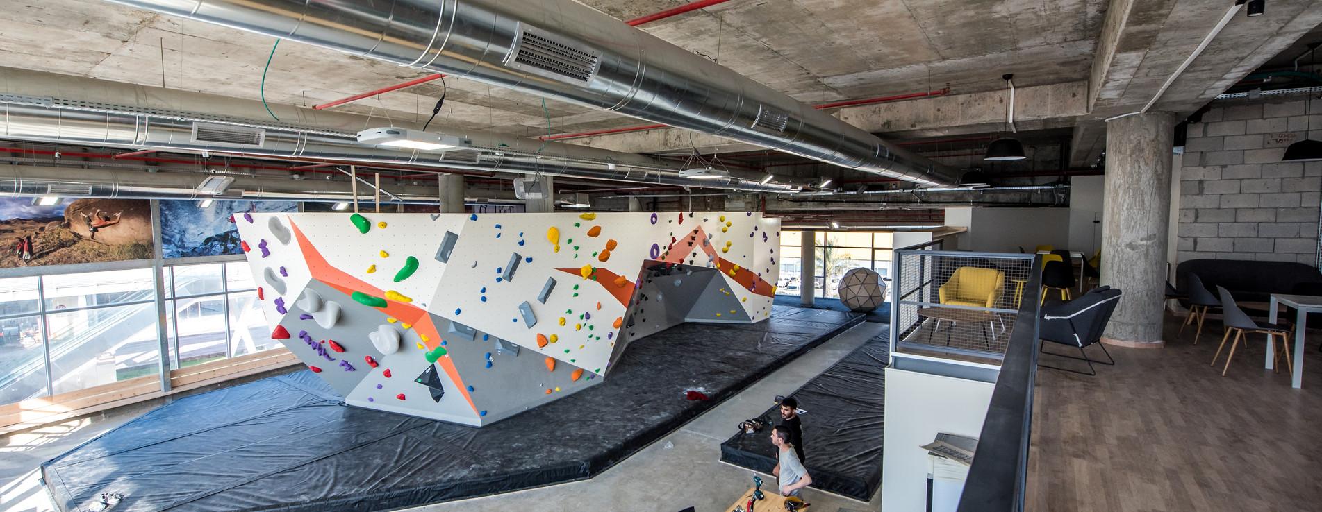 "hakir climbing gym - ""מועדון טיפוס ""הקיר"