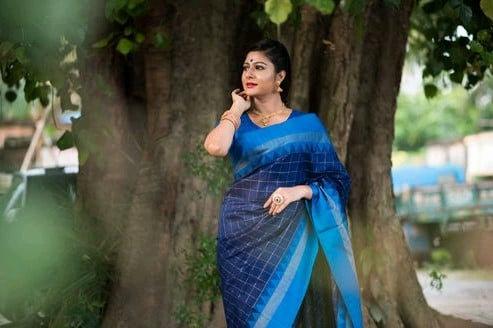 Wondrous Women's Soft Raw Silk Saree - Blue