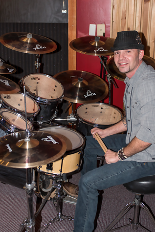 Danno signs with Saluda Cymbals! Posted by SaludaCymbals.com  On December 10, 2015