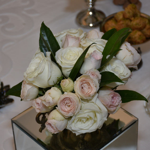 Roses for Sofreh Aghd_ Iranian ceremony