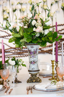 Vintage look can be achieved by adding some brass and gold colours in your design.
