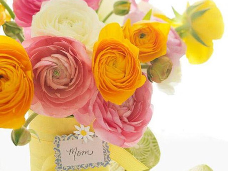 Ranunculus in your centerpieces and bouquets