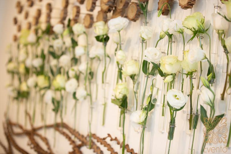 Flower walls courtesey of the florist's loft.