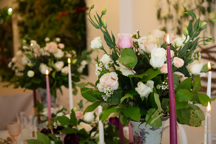 Candles in any shape and colour will add a romantic and luxe look to any decoration and design.