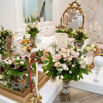 VIntage Gold Sofreh Aghd - Soft pink flower arrangements