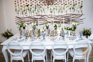 Stunning blue and white table top design by Evento.