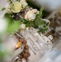 small flower arrangement_vintage gold_ev