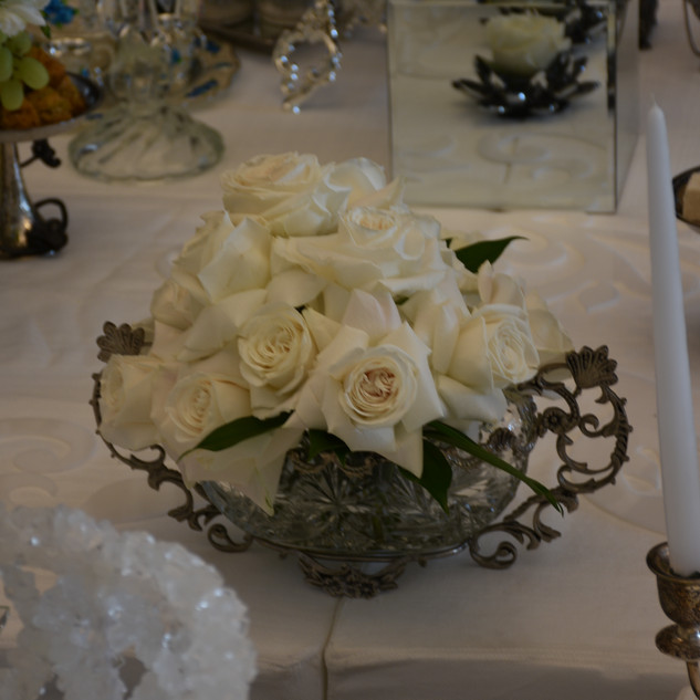 Centerpiece roses for Sofreh Aghd